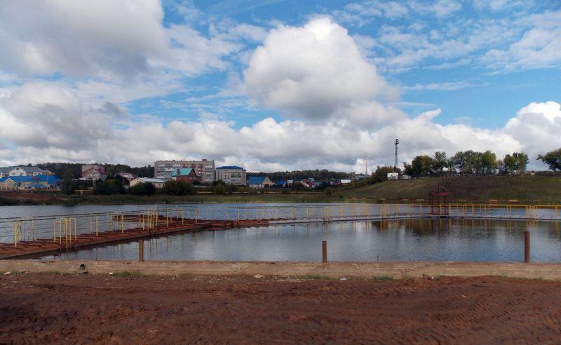 Озеро в городе Лениногорск